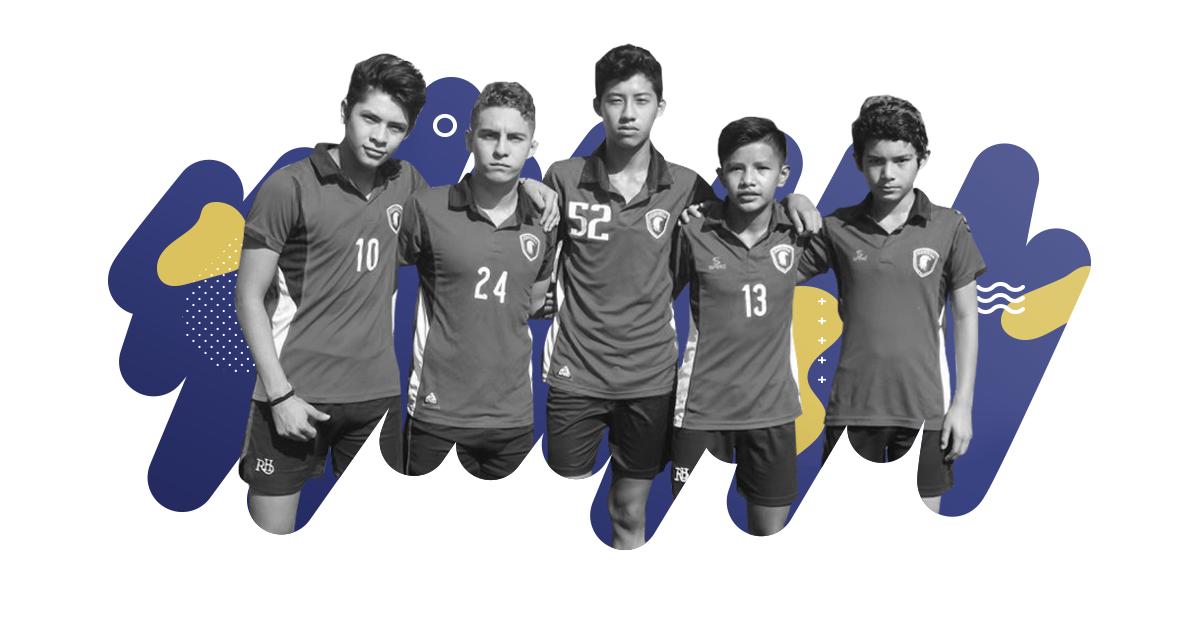 beneficios del futbol para niños y adolescentes