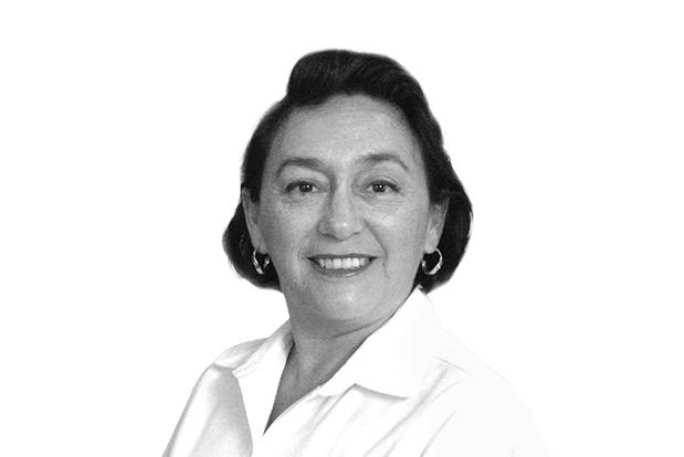 Delma Patricia secretaria academica de la preparatoria del Rogers Hall