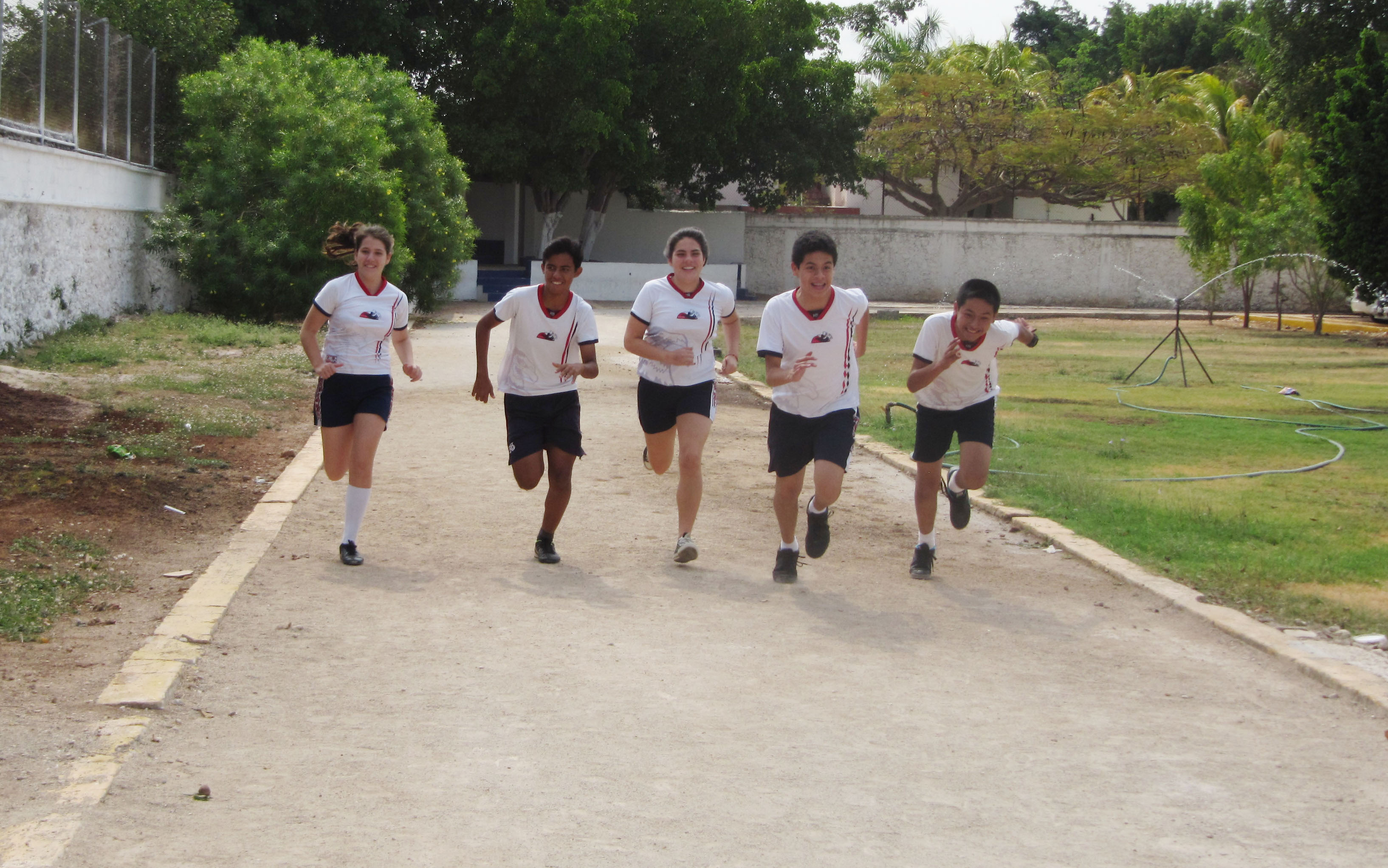 actividades deportivas escolares_ Atletismo en el Rogers Hall
