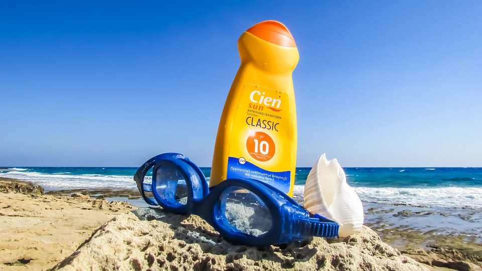 protector solar protege a tus hijos.jpg