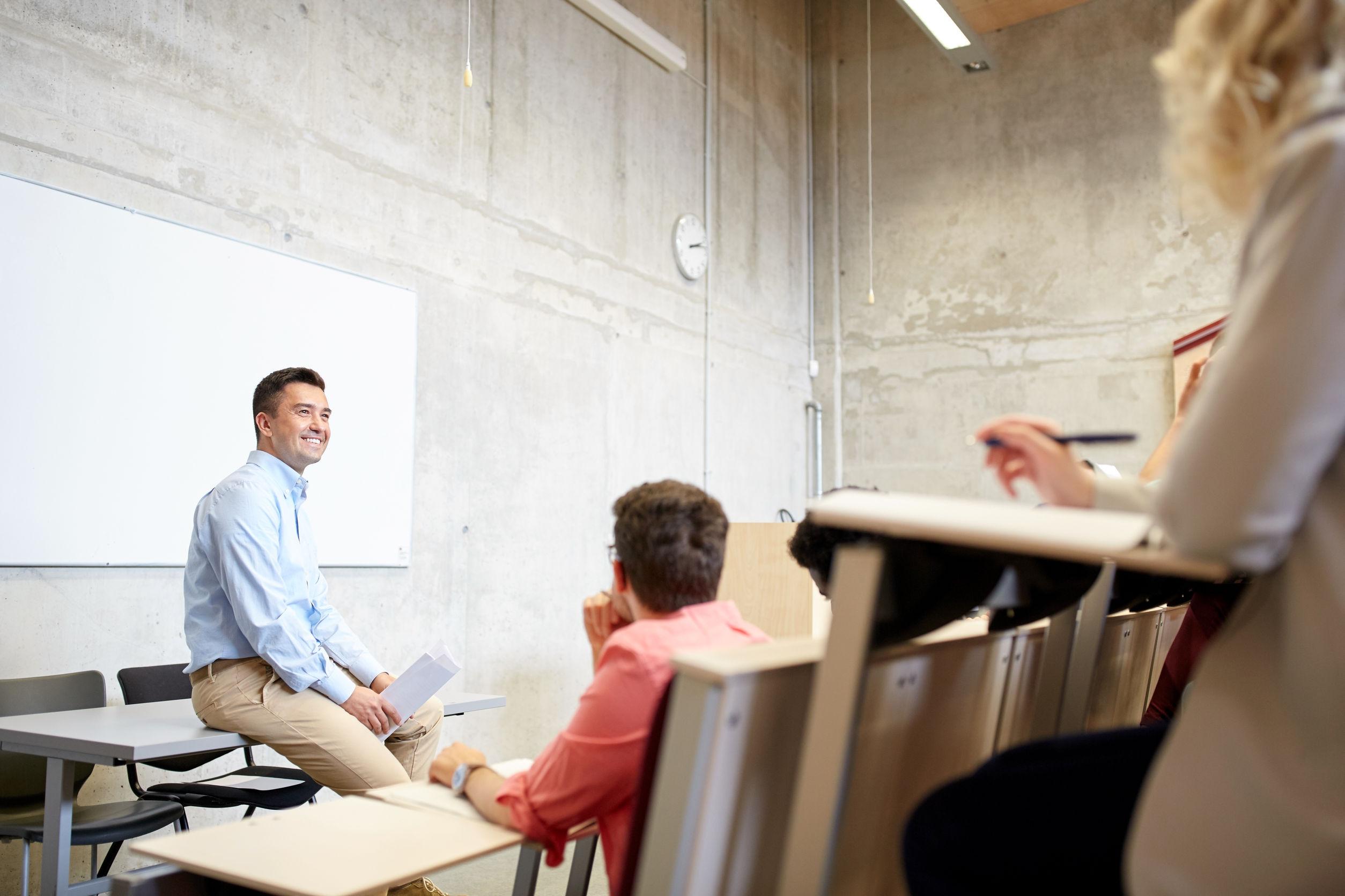 Profesionalizar maestros de inglés.jpg